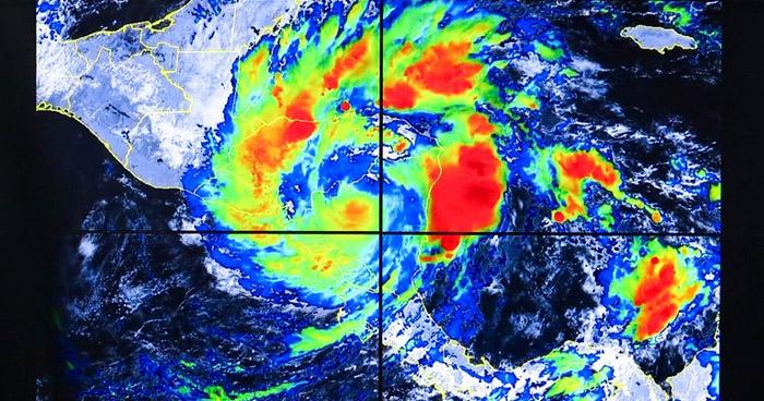 Iota se debilita y se degrada a Tormenta Tropical