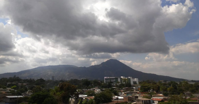 Incremento de nubosidad sobre el territorio y probabilidad de lluvia con actividad eléctrica