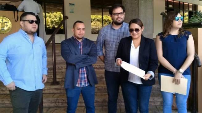 """Implicados en el caso del """"Juicio del meme"""" demandan a jueces de Santa Tecla"""