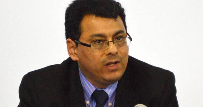 """Presidente del TSE propone regalar un """"Código Electoral y Ley de Partidos Políticos"""" a Nuevas Ideas"""