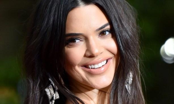 Kendall recibió fuertes críticas porque parte de su rostro estaba cubierto por acné
