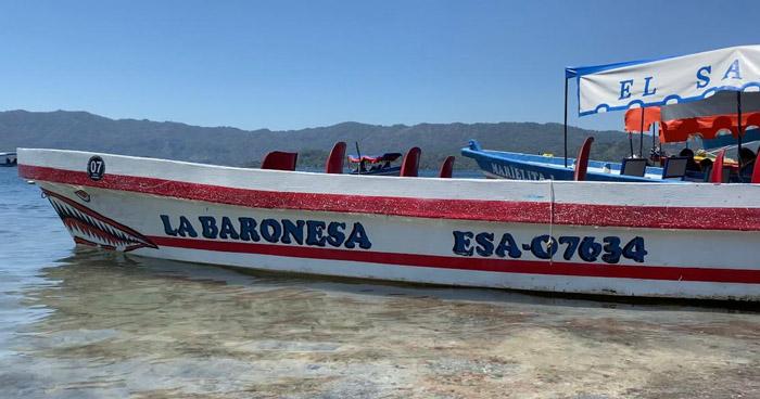 Detienen a conductor de lancha que volcó ayer en Lago de Ilopango