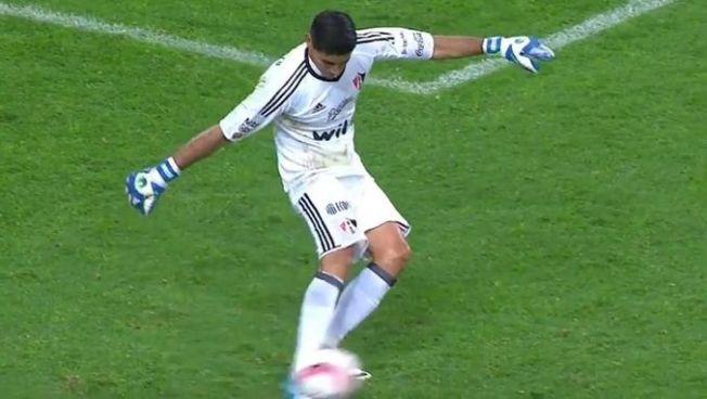 VÍDEO   Portero sufre una escalofriante lesión de rodilla en el fútbol mexicano