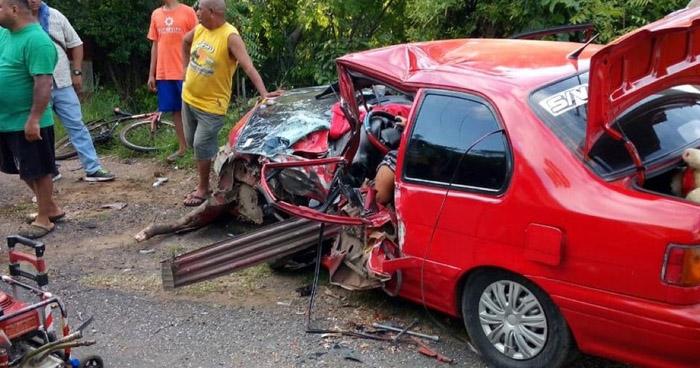 Seis lesionados dejó aparatoso choque en Usulután