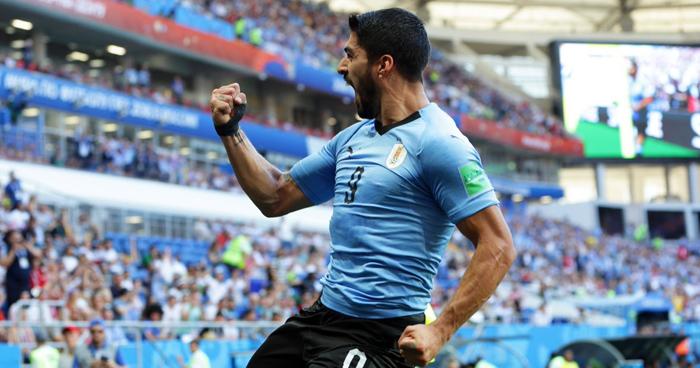 Uruguay golea a Rusia (3-0) y quedo primero en el Grupo A