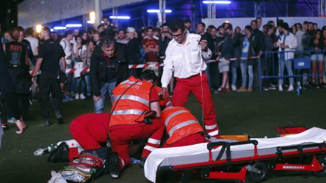 Muere un acróbata al caerse desde una gran altura en festival de rock en Madrid