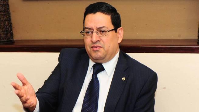 Magistrado Rodolfo González compra chocolates con fondos públicos