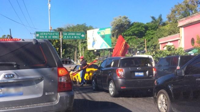 Cerrado el paso sobre el bulevar Universitario por manifestación