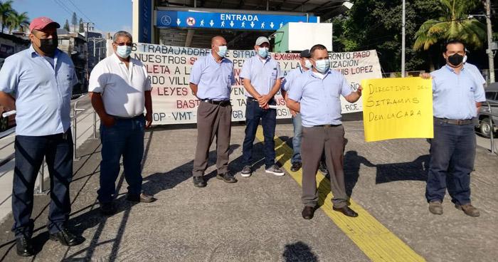 Trabajadores del SITRAMSS denuncian abandono
