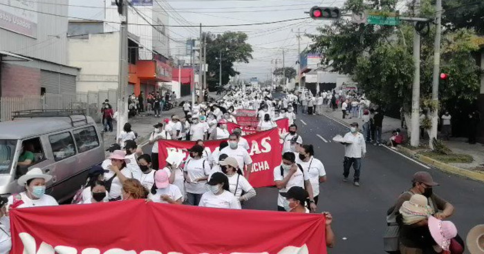 Organizaciones sociales marchan por el Día del Trabajo