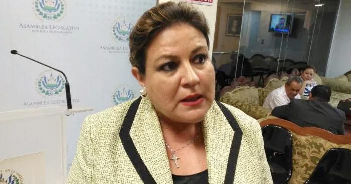 Interponen aviso contra diputada de ARENA por evasión fiscal