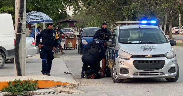 Salvadoreña muere al ser brutalmente sometida por policías en Tulum, México