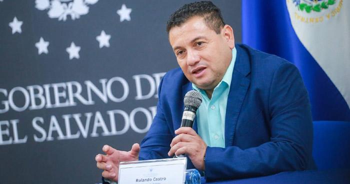 Nuevo contingente de salvadoreños saldrá a trabajar al extranjero el próximo mes