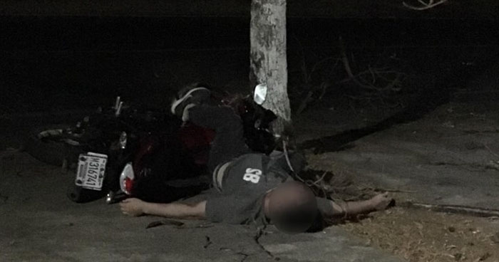 Motociclista murió al chocar contra un árbol en calle a Conchagua, La Unión