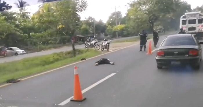 Motociclista pierde la vida en accidente registrado en Ciudad Arce, La Libertad