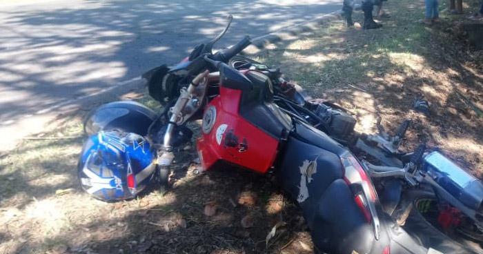 Conductor ebrio atropella a motociclistas en carretera a Suchitoto