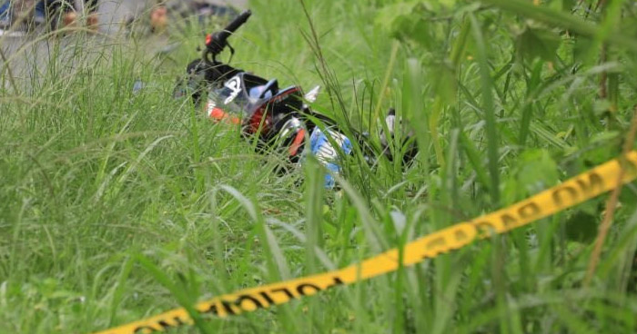 Motociclista muere al ser arrollado en Apastepeque, San Vicente