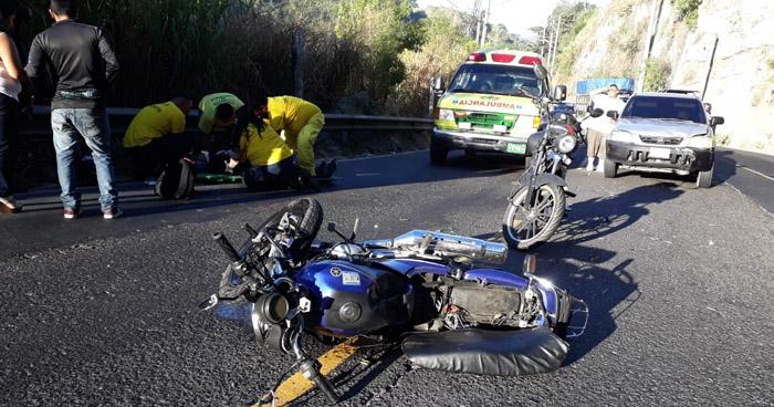 Motociclista atropella a dos ancianos en Calle Agua Caliente