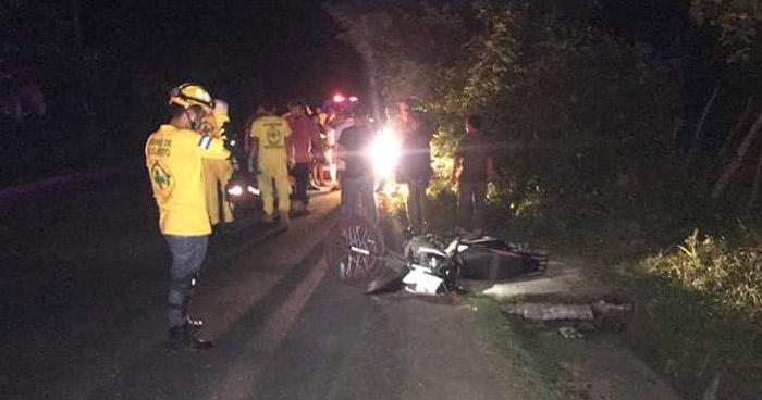 Motociclista sin casco murió luego de chocar con un caballo en Cabañas