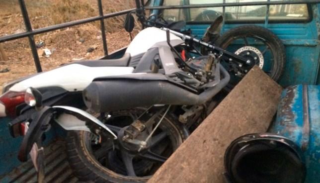 Un motociclista fallecido y 2 más lesionados tras accidente de tránsito en Santa Elena, Usulután