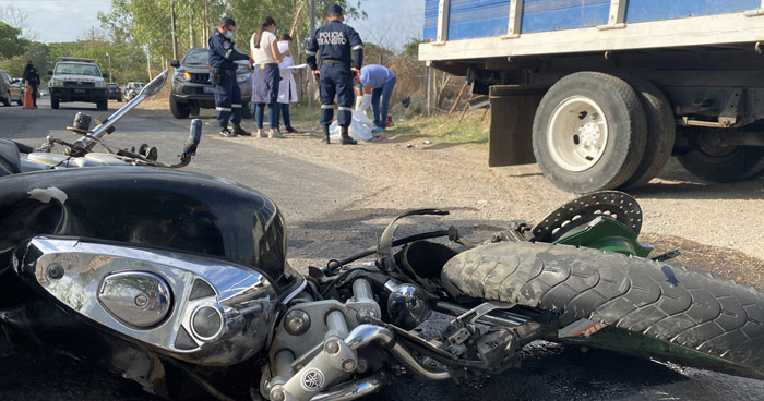 Soldado muere al chocar contra un camión en carretera Ruta de Paz, Morazán