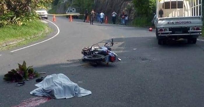 Motociclista fallecido en accidente de transito en calle a los Planes de Renderos