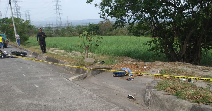 Motociclista muere al accidentarse cerca del redondel Integración