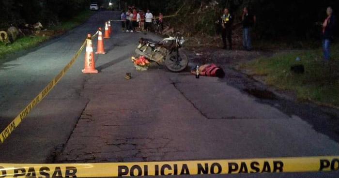 Motociclista muere al chocar contra un camión en carretera Troncal del Norte