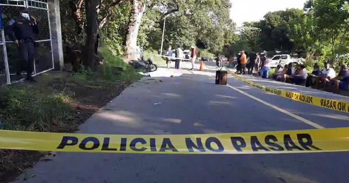 Motociclista falleció tras impactar contra un árbol en San Miguel