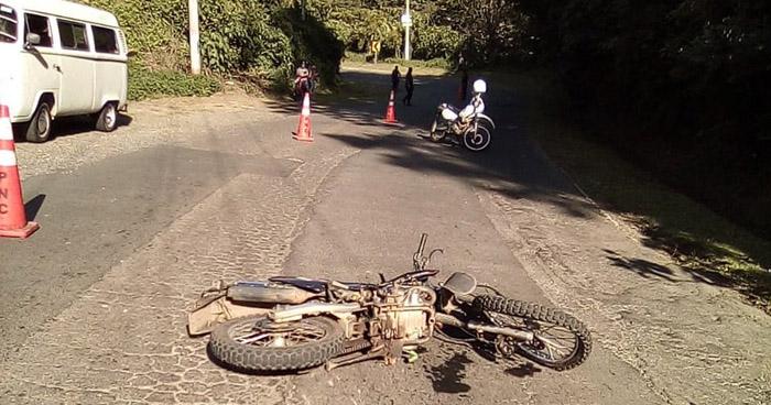 Muere motociclista por conducir a excesiva velocidad en carretera a Sonsonate