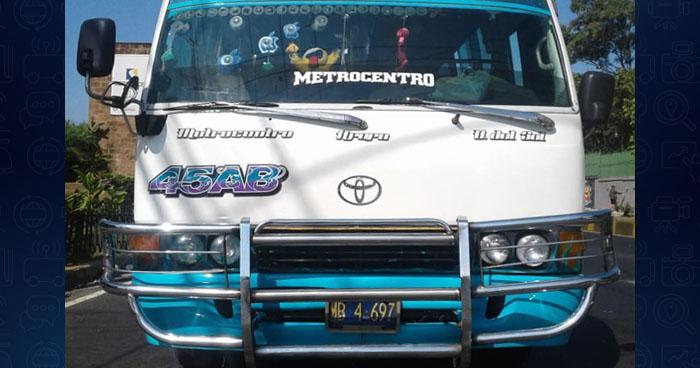 Sorprenden a motorista de la ruta 45-AB conduciendo sin licencia en San Salvador