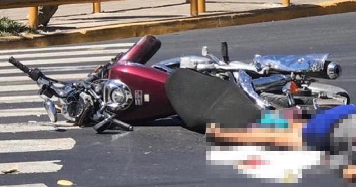 Mujer motociclista muere al ser arrollada en Soyapango
