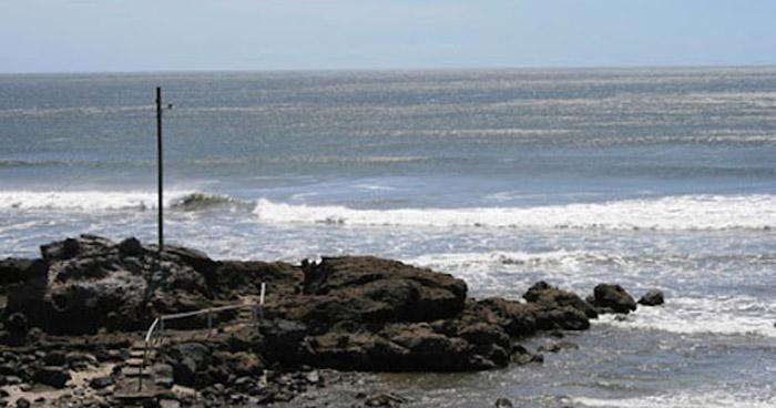 Mujer muere ahogada en playa Los Cobanos, Acajutla