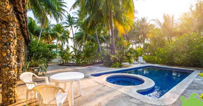 Mujer murió electrocutada adentro de una piscina en un hotel de playa en La Unión