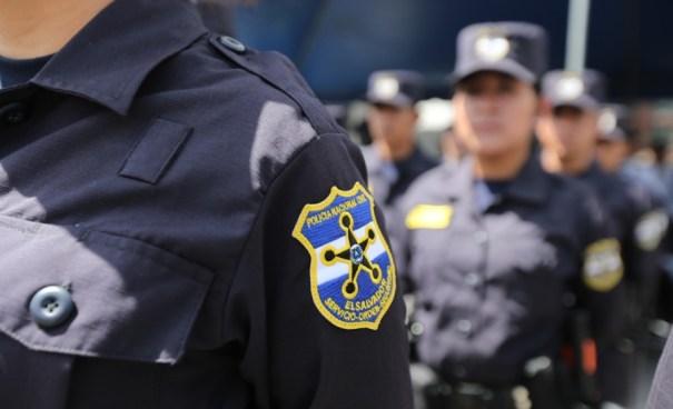 Detienen a una policía por allanamiento de morada tras capturar a un pandillero sin orden judicial