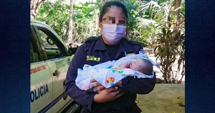 Agentes de la PNC atienden parto en San Dionisio, Usulután