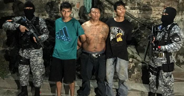 Pandilleros capturados tras atacar a policías en Chalatenango