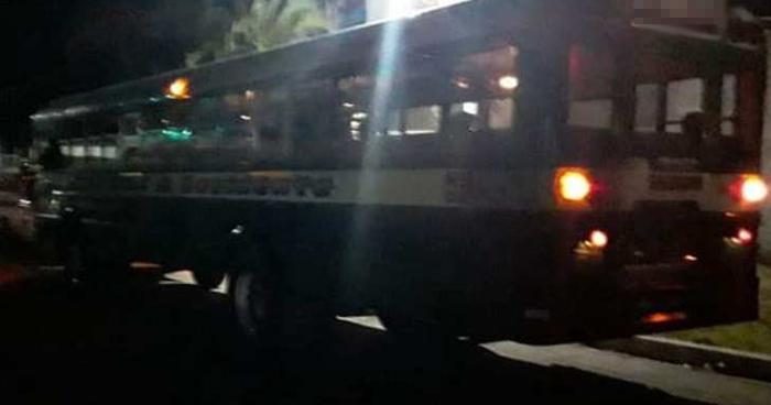 Pandilleros ametrallan autobús en Huizúcar, La Libertad