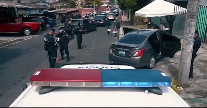 Capturan a supuestos pandilleros con vehículo robado cerca del Estadio Cuscatlán