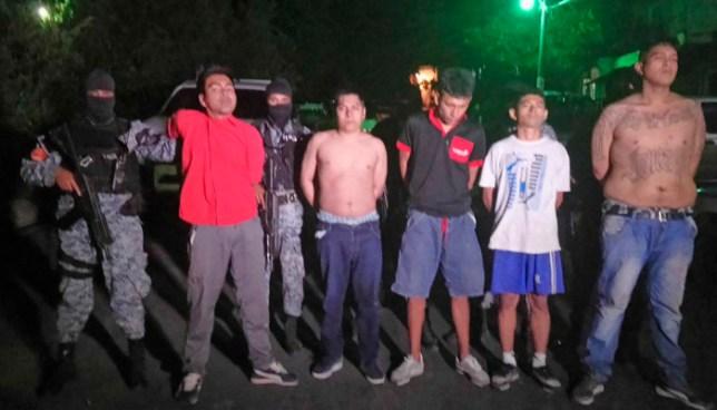 Capturan a pandilleros que tras robar una motocicleta, privaron de libertad a un familia en Mejicanos