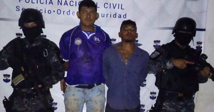 Caen pandilleros en poder de un fusil AK-47, un revólver y droga