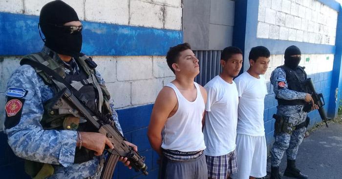 Tres sujetos requeridos por diferentes delitos fueron capturados en Sonsonate