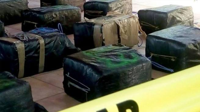 Fuerza Naval confirma entrega de 25 paquetes de cocaína valorados en más de $18 millones