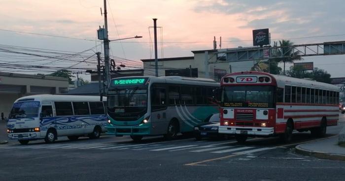 Transporte público trabaja con normalidad, motoristas marcharan a las 8:30 AM a la Asamblea Legislativa