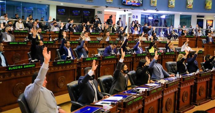 Asamblea aprueba reforma a Ley para que periódicos paguen impuestos