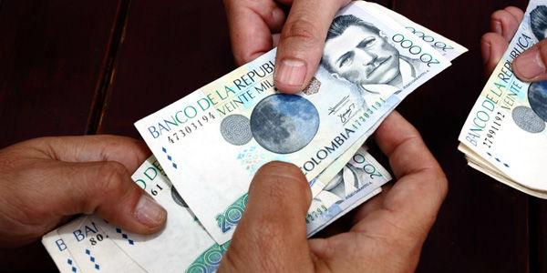 Dos compañías telefónicas deberán pagar 4.7 billones de pesos a Colombia