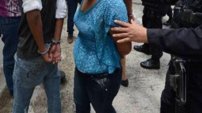 Capturan a tres hombres y una mujer por diferentes delitos en Usulután