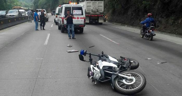 Policía lesionado al ser atropellado en carretera Los Chorros