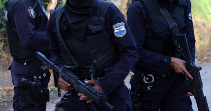 Agente de la PNC que recibía dinero de pandilleros por introducir ilícitos a bartolinas