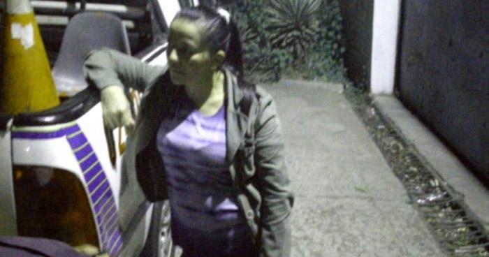 Conductora ebria intentó fugarse tras atropellar a una agente de la PNC